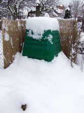 Aj v zime musíme miešať uhlíkaté a dusíkaté materiály